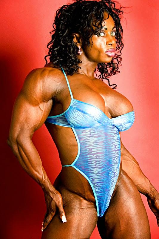 Dayana Cadeau 02 - Female Bodybuilder