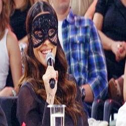Cleo Pires entrega no palco que já foi superviciada em filmes para adultos