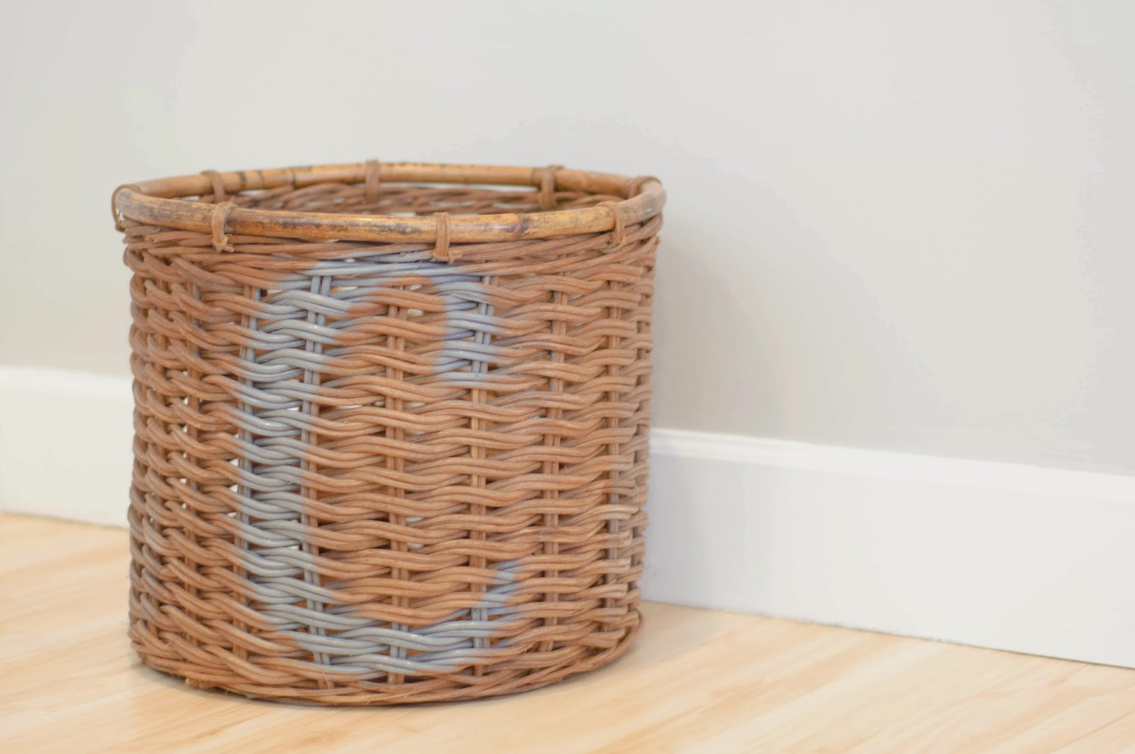 Here Is The Finished Basket. I Love It, I Love How It Now Matches My Room  And It Was Really A Pretty Simple Process.