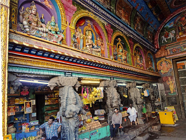 inside the Meenakshi temple compelex in Madurai, Tamil Nadu