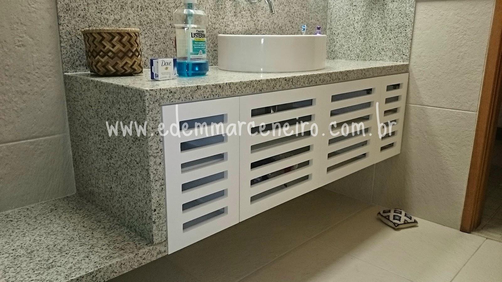 Armário de Banheiro Laqueado com Portas Vazadas  Edem Marceneiro -> Armario Banheiro Vazado
