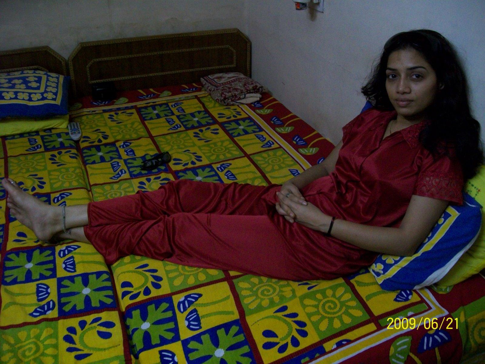 Desi bangalore horny aunty