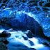 Keindahan Gua Es ini Nampak Persis Seperti Sebuah Lukisan