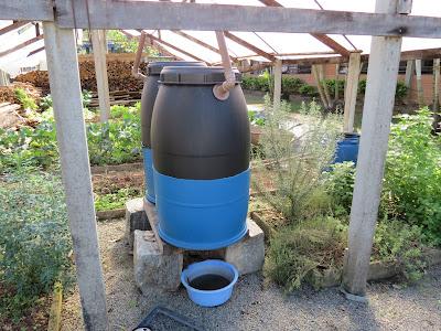Compromisso consciente compostagem em terrenos aprenda for Restos de azulejos baratos