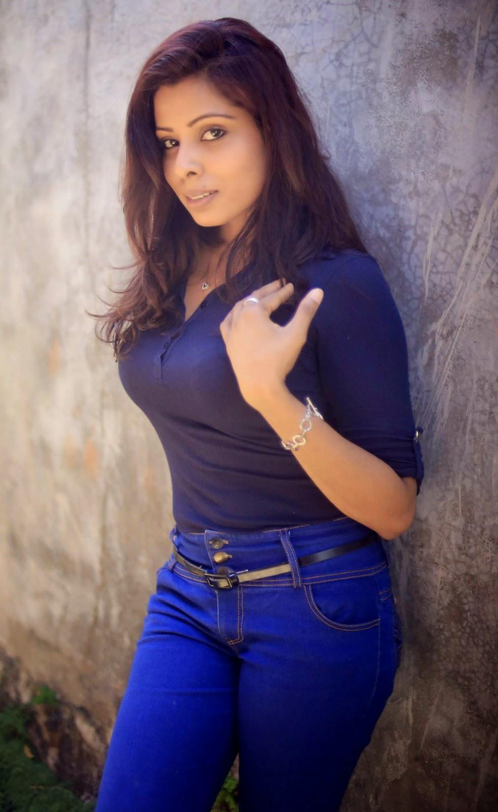 Niro J Jayasingha jeans