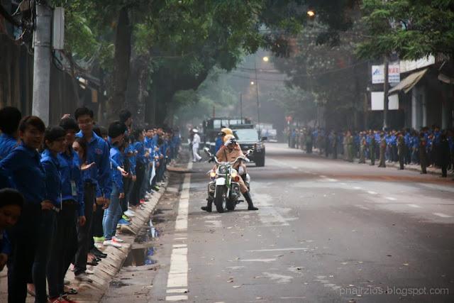Thanh niên tình nguyện, cảnh sát giao thông