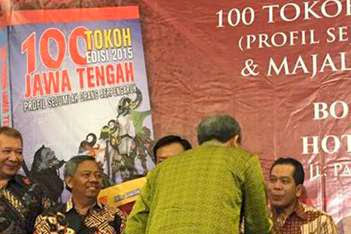 100 Tokoh Berpengaruh Jawa Tengah Salah Satunya Rektor Unnes