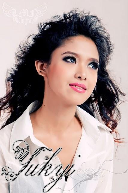 Yu Kyi,burma models