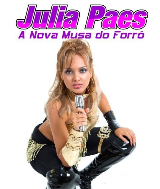 julia paes hot