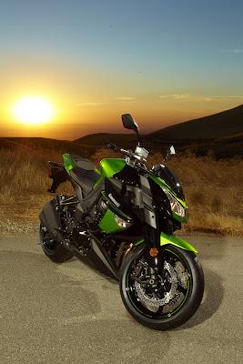 2011 Kawasaki Z1000 Photos