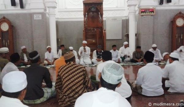 Majelis Zikir Ad-Daiba'i di Masjid Cunda, Lhokseumawe.