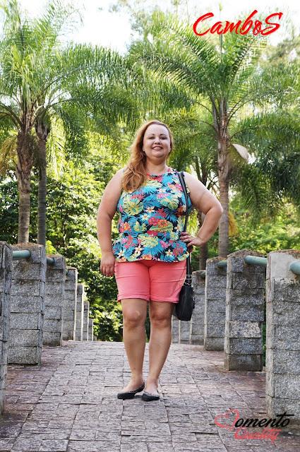 Bermuda de Sarja e Blusa Peplum Floral