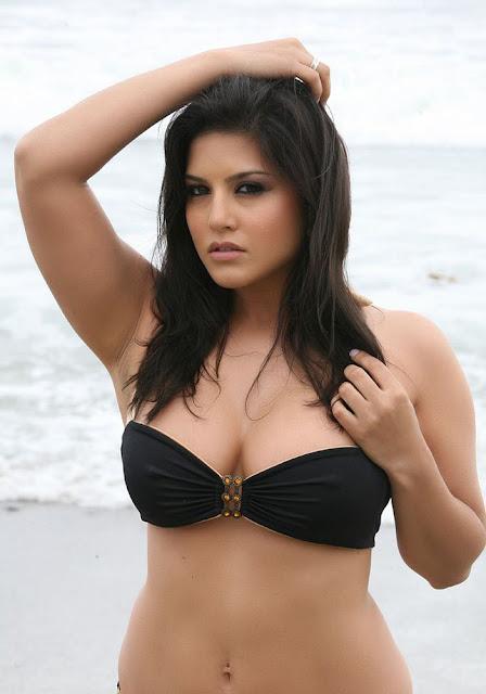Sunny Leone Hot In Bikini