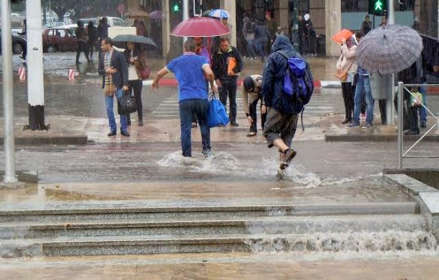 تحذير من أمطَار عاصفية تطال المغرب لـ15 ساعة