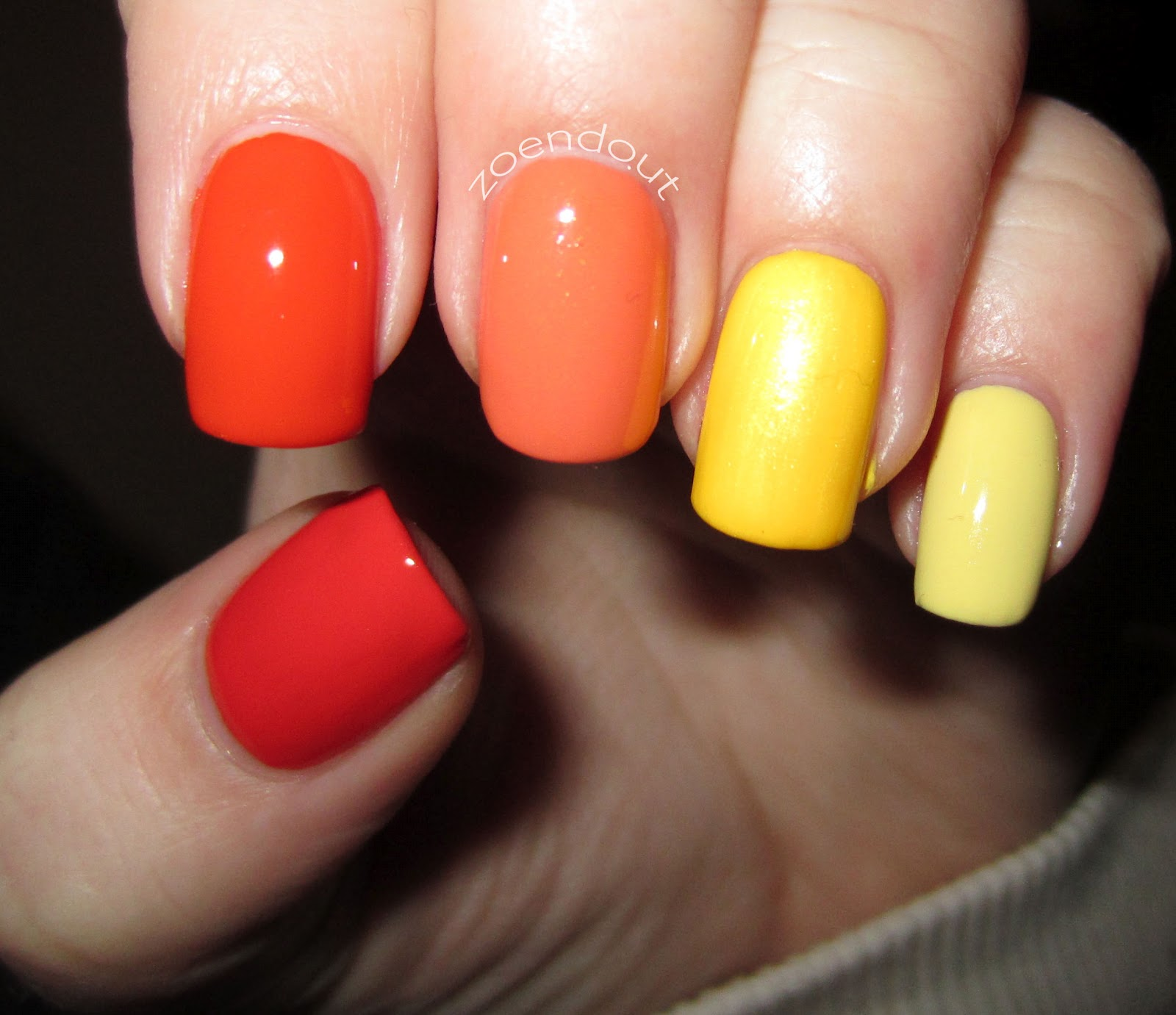 Педикюр с оранжевым и желтым