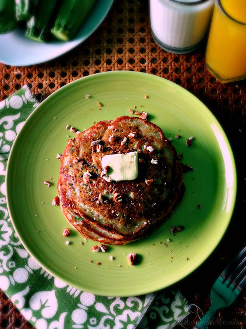 Zucchini Bread Pancakes - lacocinadeleslie.com