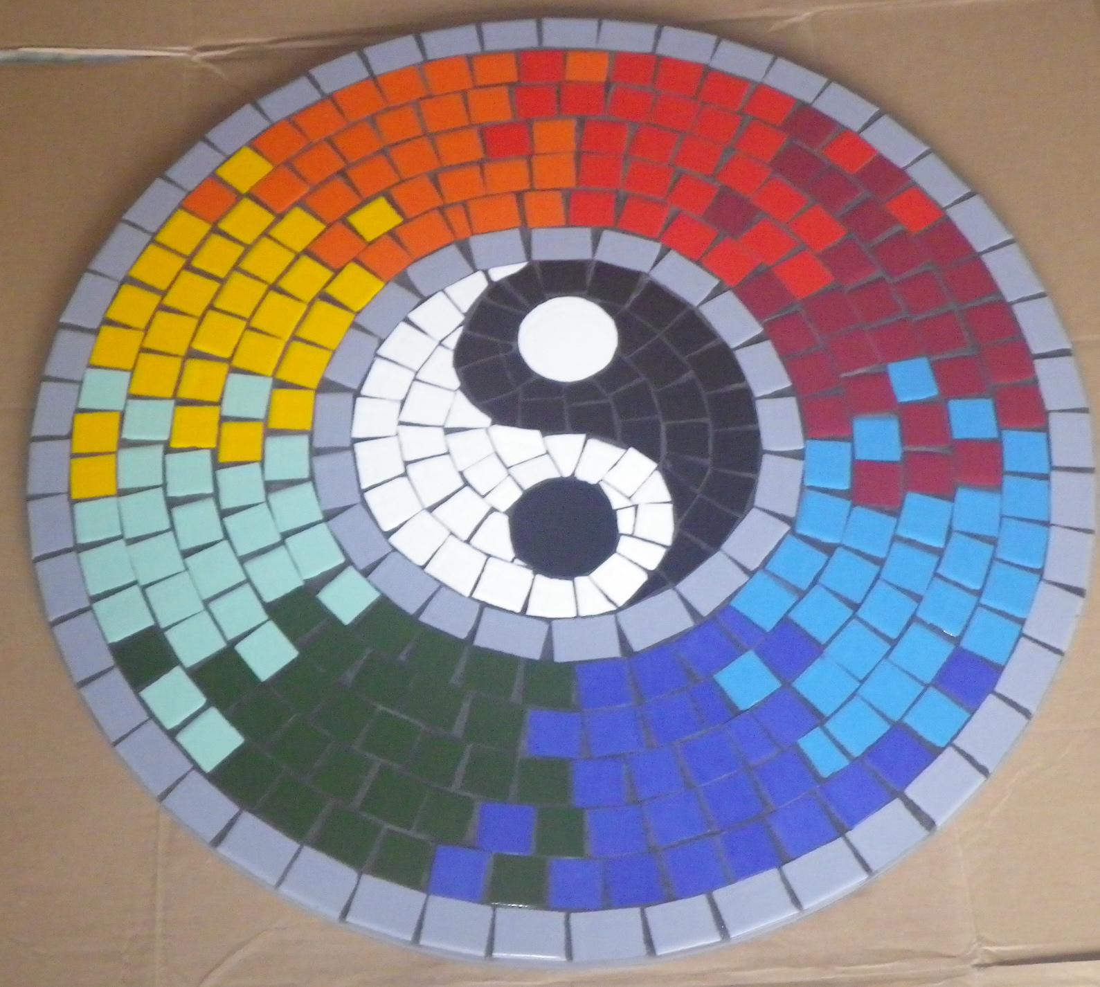 Trabalhos em mosaico mesa yin e yang for Mesas de mosaico