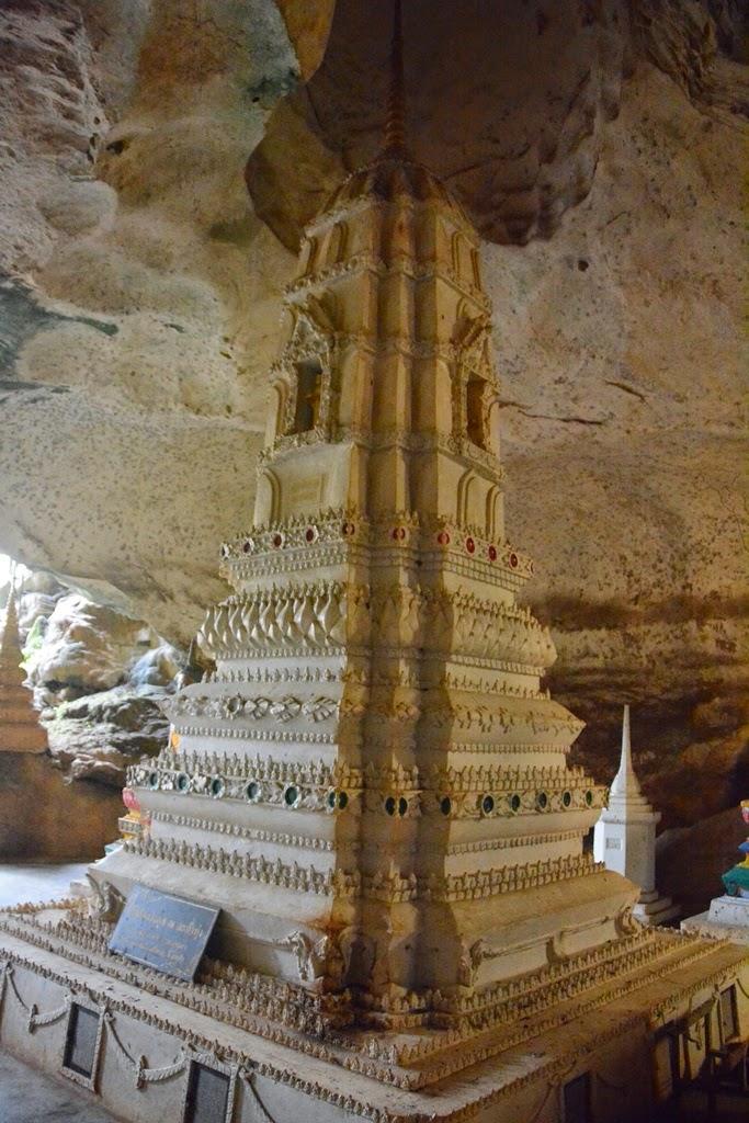 Watsuwankhuha Cave Phang Nga pagoda