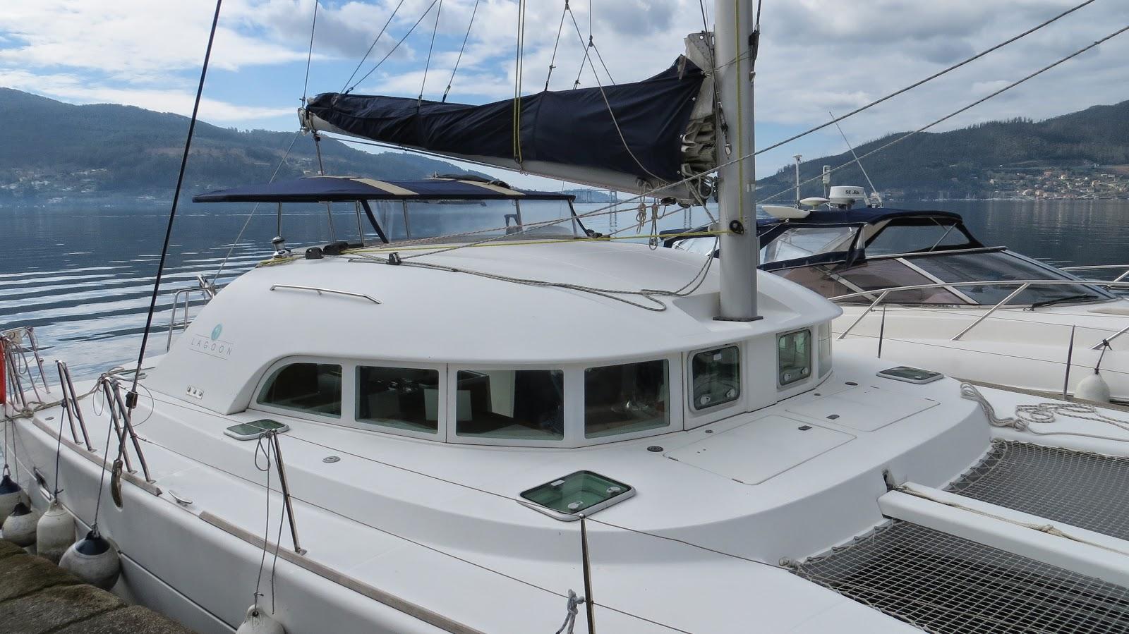Paseos en catamarán a la Isla de San Simón