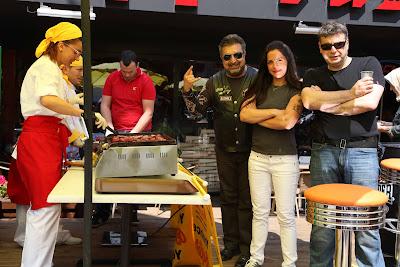 16 Kızıltoprak Showroom daki barbekü partimizden Fotoğraflar.