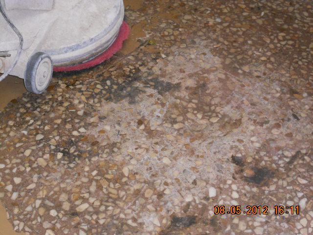 Piso de terrazo pulido y de mi suelo de terrazo pulido y de mi suelo de terrazo pulida y de - Pulir el suelo ...