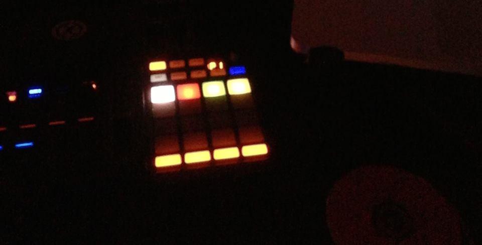 Otonobunka house techno music party emotion vol 5 2013 for Emotional house music