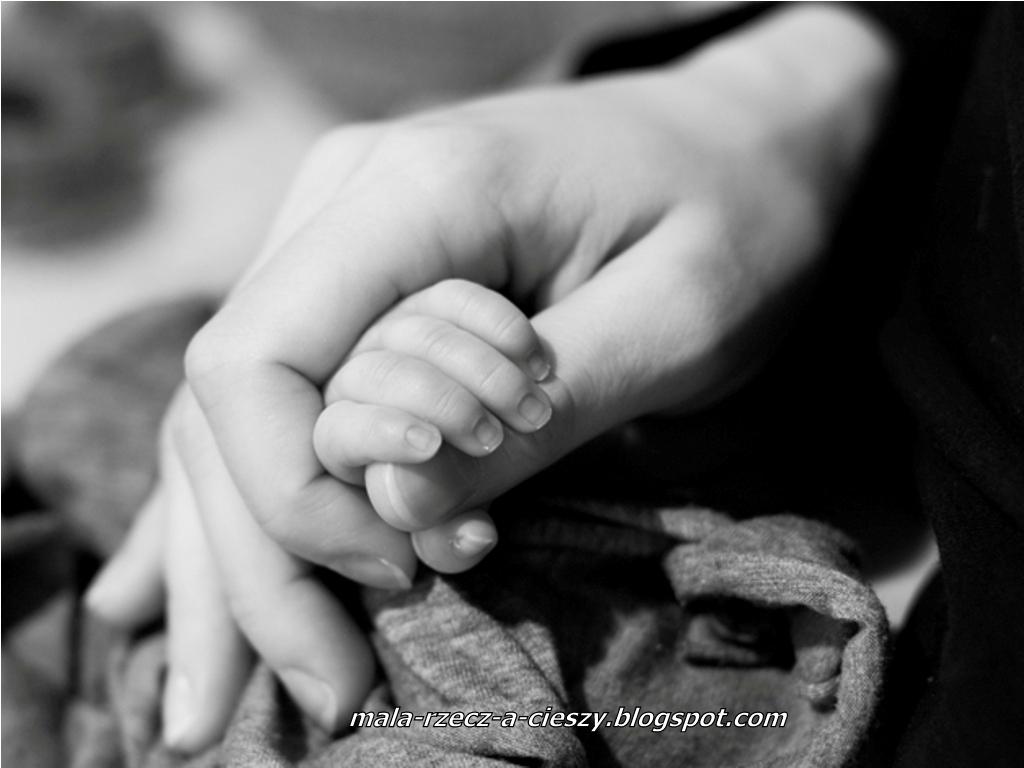 Ciążowa i noworodkowa profesjonalna sesja zdjęciowa - fajna pamiątka czy zbędny wydatek?