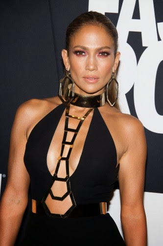 Jennifer Lopez has admitted that she was a victim of violence