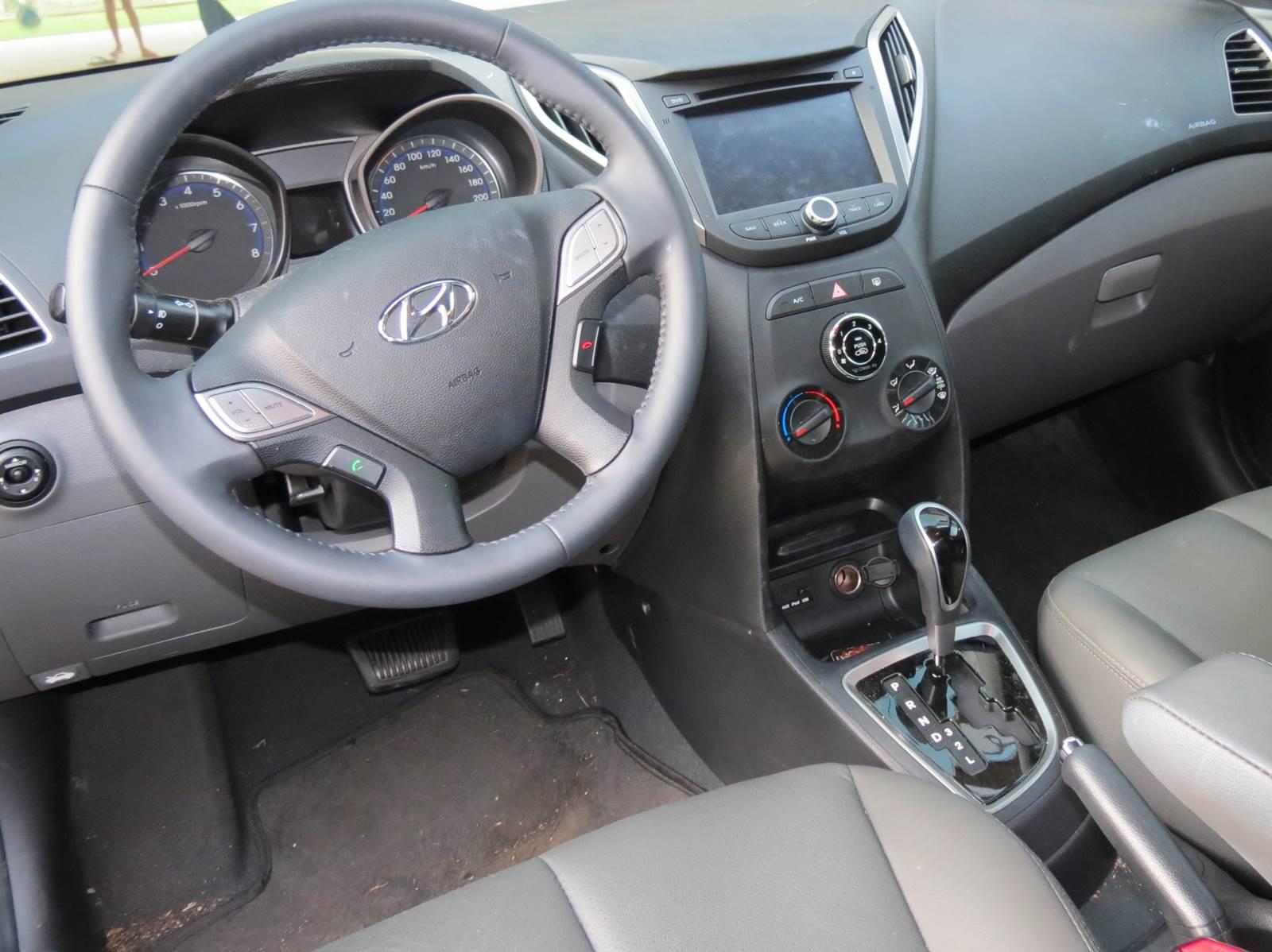 Hyundai HB20 1.6 Automático - painel