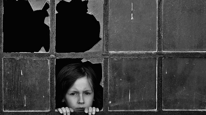 Padre de dos hijos captura conmovedores momentos de infancia en pueblo Polaco