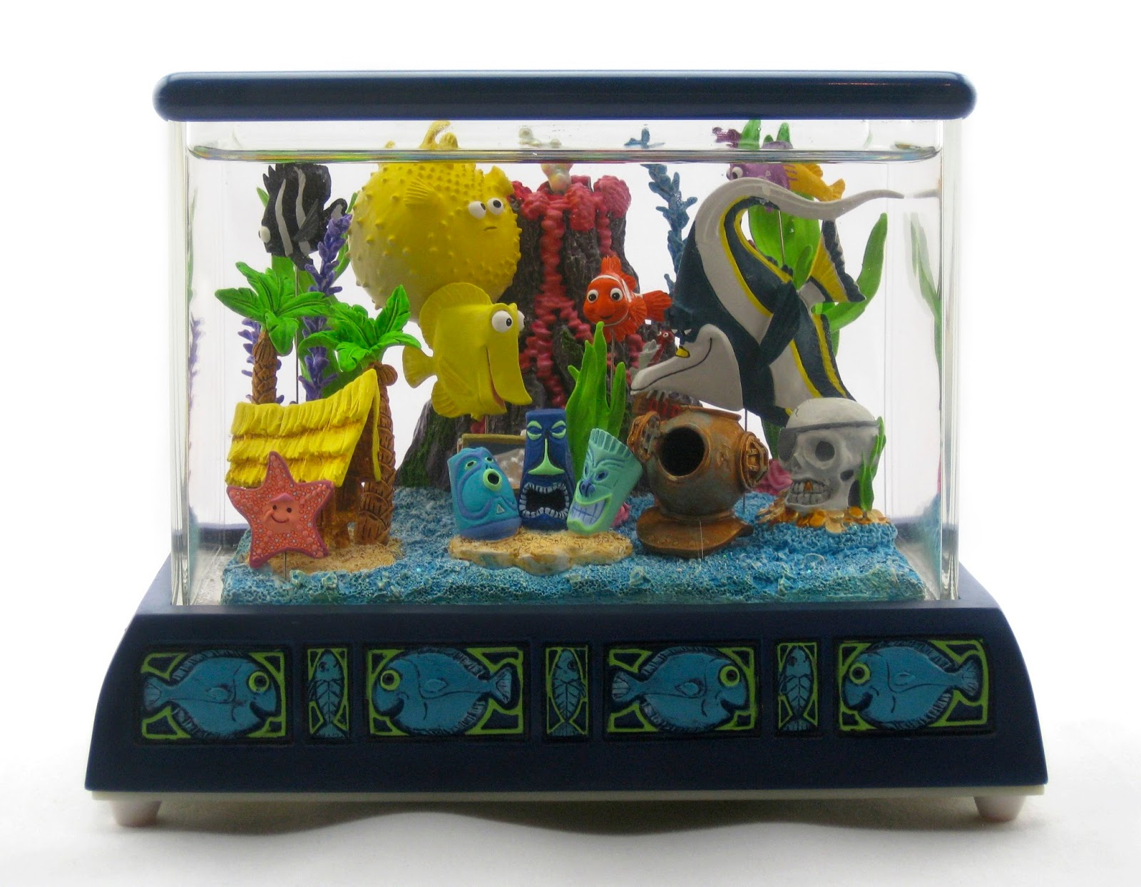 Fish in tank nemo - Finding Nemo Disney Store Fish Tank Gang Snowglobe