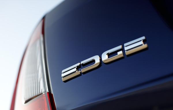 Ford Edge - Referência em segurança e tecnologia no segmento de crossovers médios