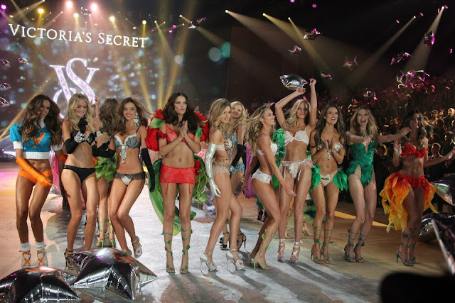 TV, Victoria's Secret, fashion show, Christmas