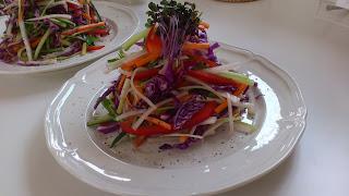 出張シェフ:真鯛のカルパッチョ風 美しいサラダ