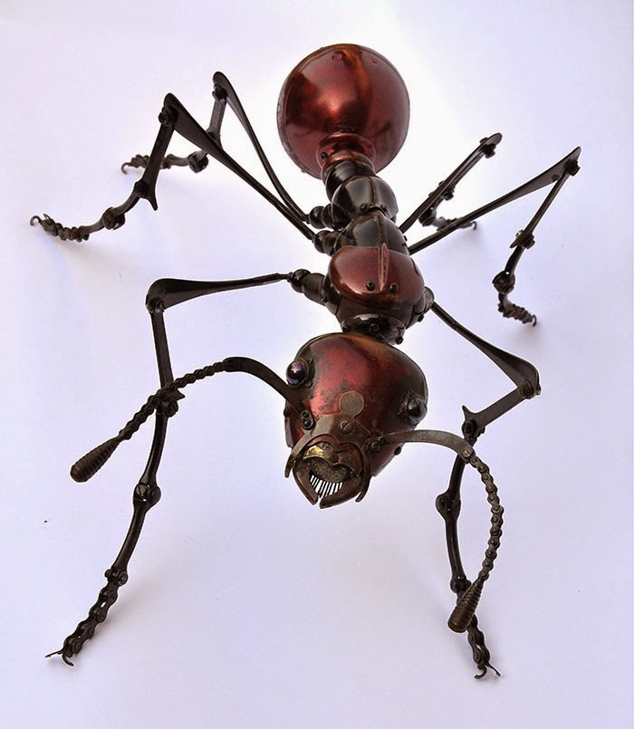 08-Red-Ant-Edouard-Martinet-Recycled-Sculpture-Wildlife-www-designstack-co