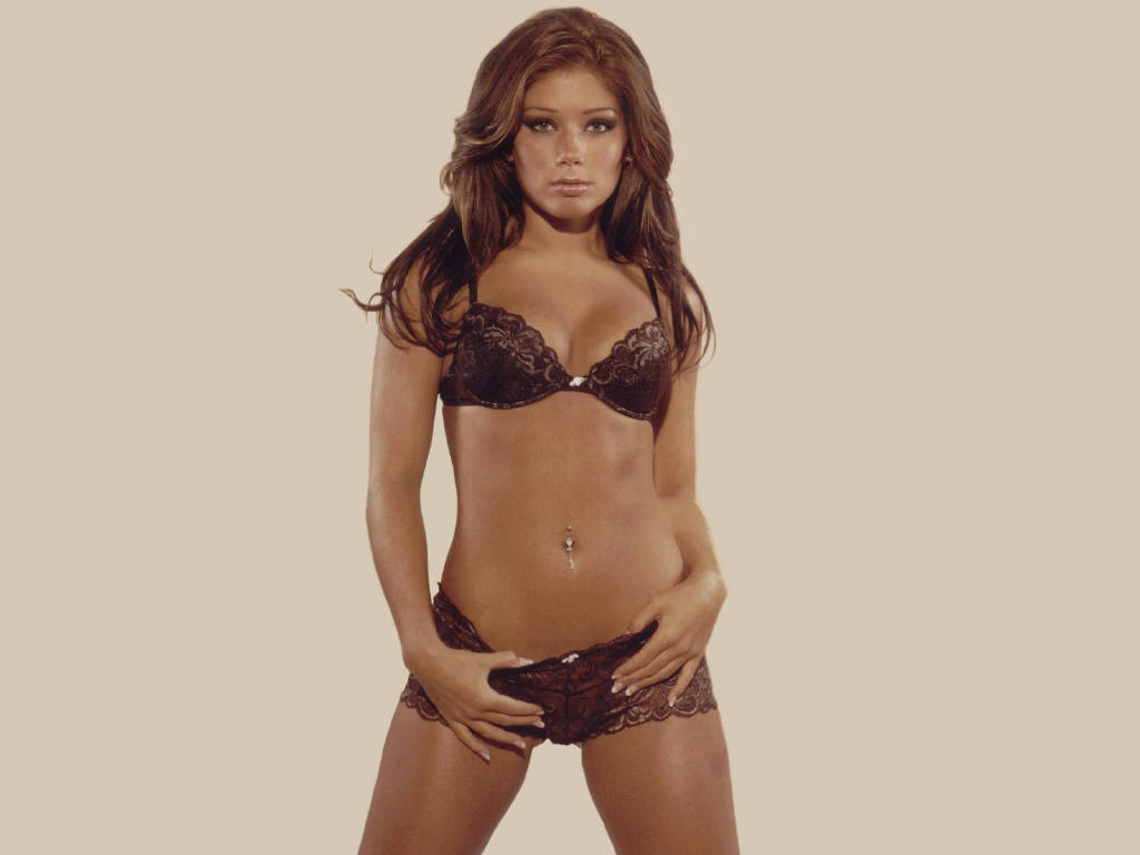 Kelly Broke Wallpapers Nikki Sanderson Hot Photos