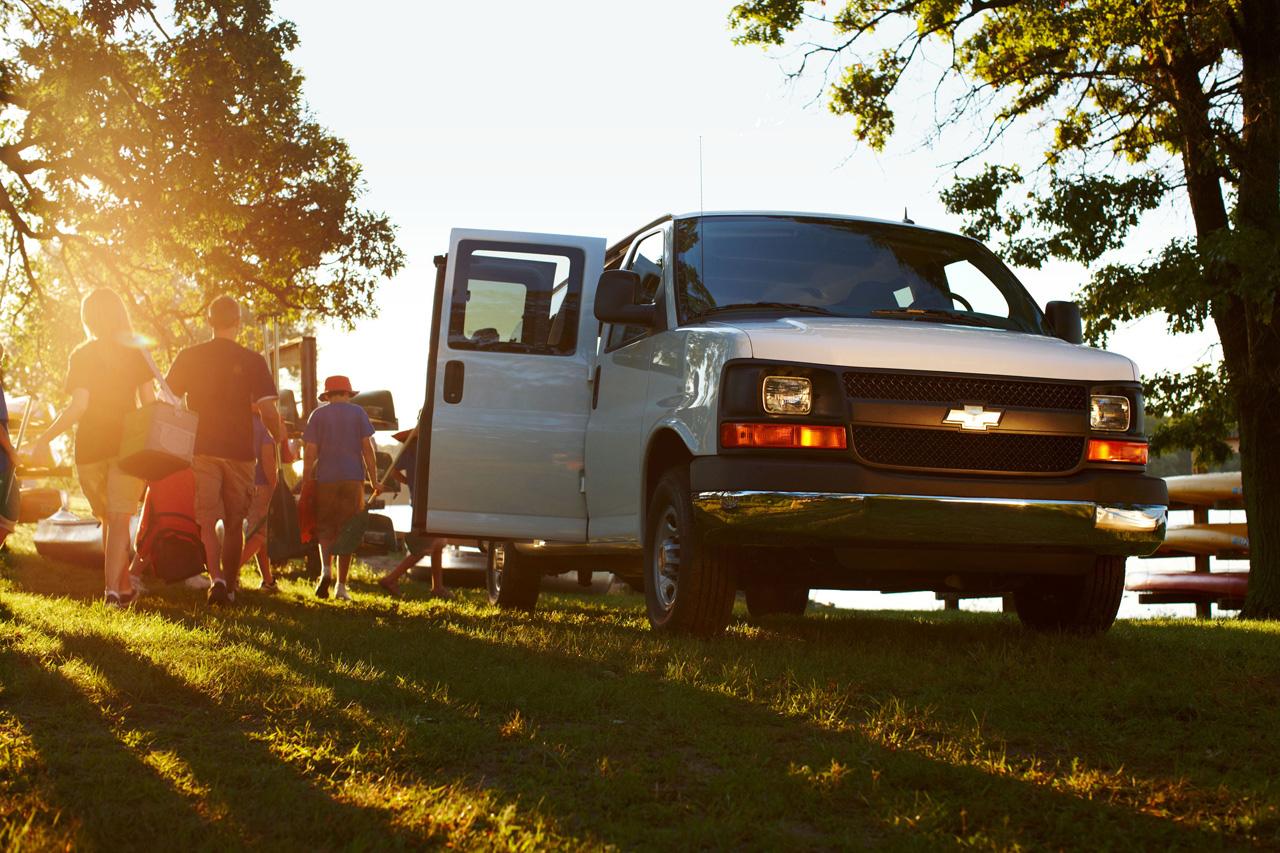 2013 Chevrolet Express Photos