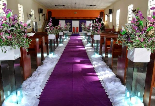 Para noivas Decoração de casamento lilás e branco