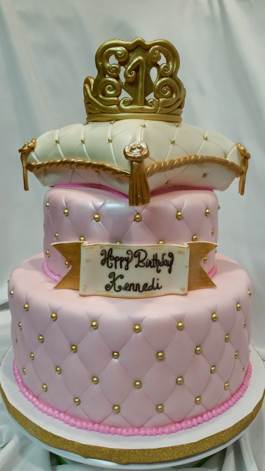 Princess Pillow Cake Images : MyMoniCakes: Princess pillow cake with gum paste tiara and ...