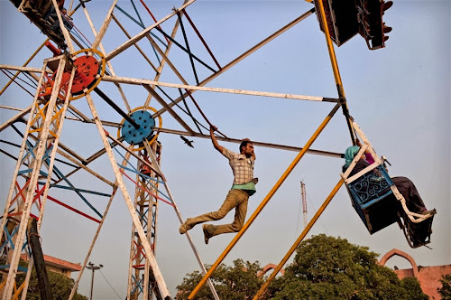 Roda-gigante movida a energia humana