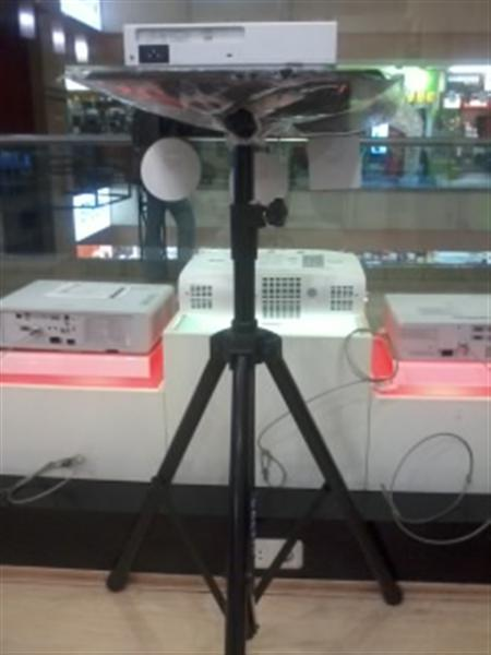 TRIPOD MEJA LCD PROJECTOR