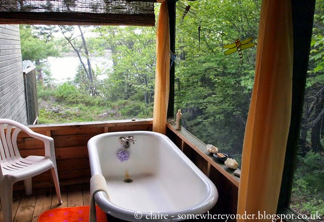 bath with a view - Canada