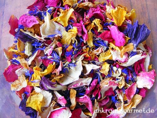 Schmuckdrogen-Mischung aus Blütenblättern.