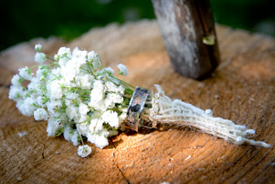 rustic wedding boutonniere with babies breath and burlap