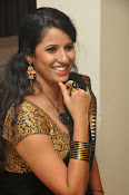 Sravya reddy sizzling saree photos-thumbnail-16