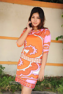 Komal-Jha-Stills-at-Maine-Pyar-Kiya-Movie-Launch