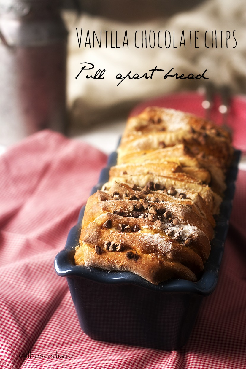 vanilla chocolate chips pull apart bread