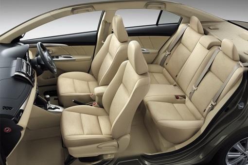 thuê xe du lịch Toyota Vios