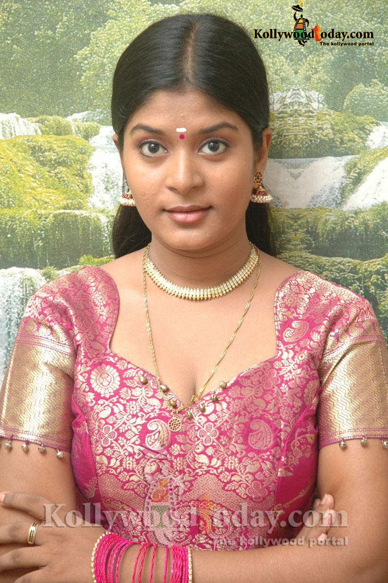 Neepa Tamil Tv Serial Actoress
