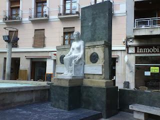 escultura plaza San Pedro Nolasco Zaragoza